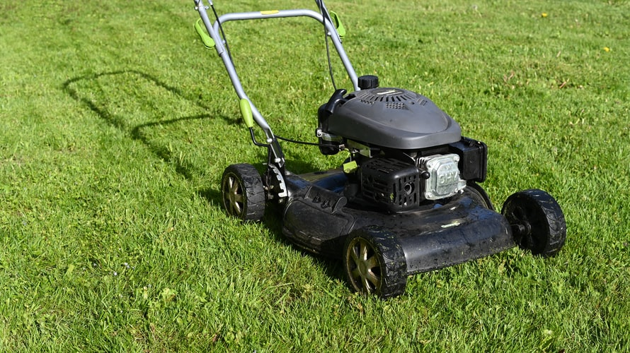 How to Maintain Your Residential Lawn Mower